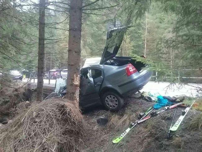Pri nehode v Demänovskej Doline zomrela mama dvoch maloletých detí