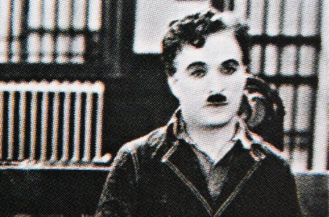 Kráľ filmovej grotesky Charlie Chaplin sa narodil pred 130 rokmi