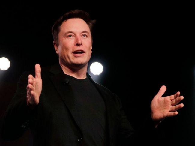 Elon Musk pripravuje vybudovanie flotily autonómnych taxíkov