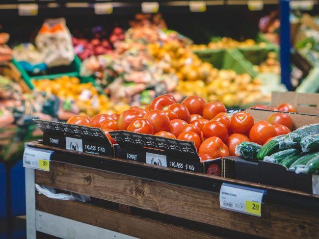 Ceny potravín na Slovensku sa od vstupu do EÚ zvýšili o 37,5 %