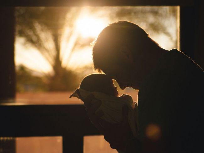 Návrh otcovskej dovolenky by mohol byť predstavený do konca volebného obdobia