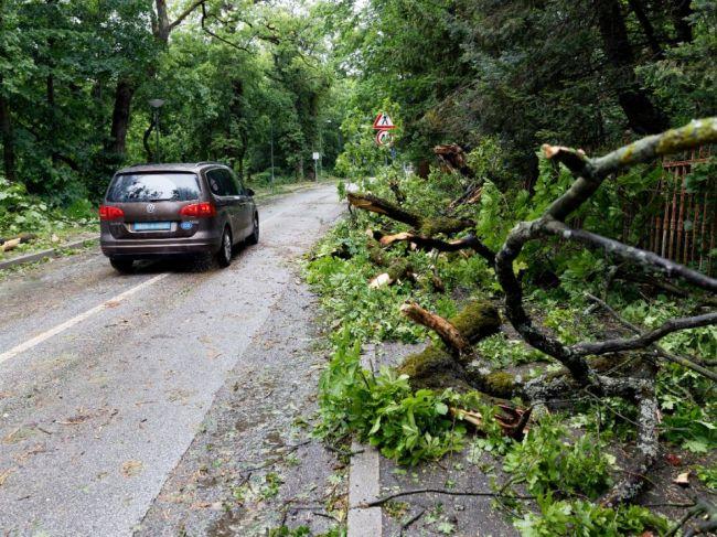 Chorvátsky Záhreb zažil najprudšiu búrku s vetrom za posledných 45 rokov