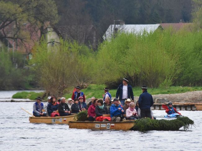 V Dunajci zahynul pltník, podľa všetkého spadol z plte do vody