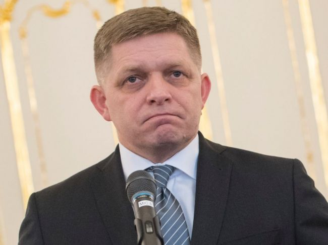 Ficovi je ľúto, že Stromček končí v politike