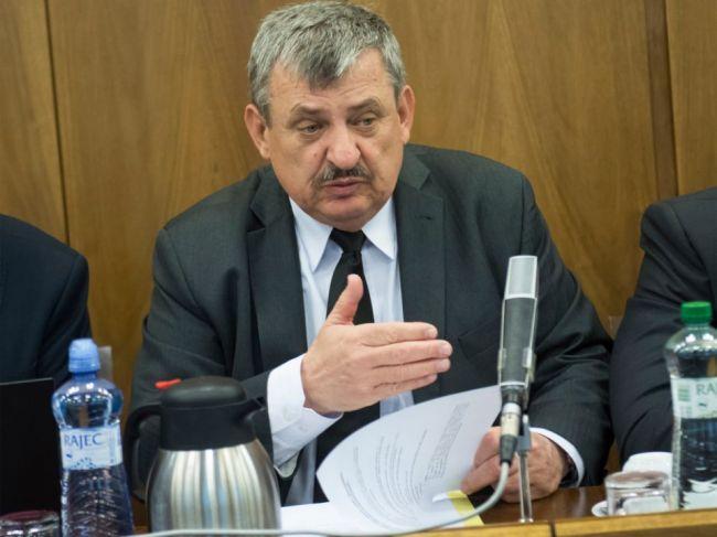 Expremiérovi Ficovi sa vyhrážali, potvrdil Hrnko