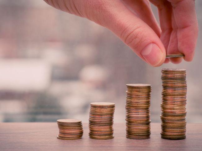 Zamestnancom vo viacerých odvetviach vzrastú mzdy