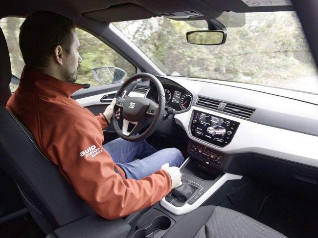 Kurzy autoškoly sú stále drahšie. Rastie úmerne aj ich kvalita?