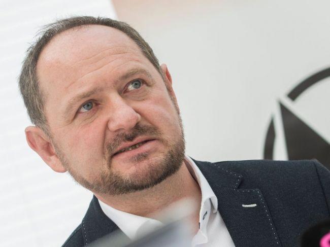Zs. Simon by sa mal stať predsedom Maďarského fóra