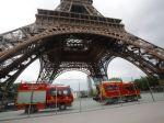 V Paríži evakuovali Eiffelovu vežu