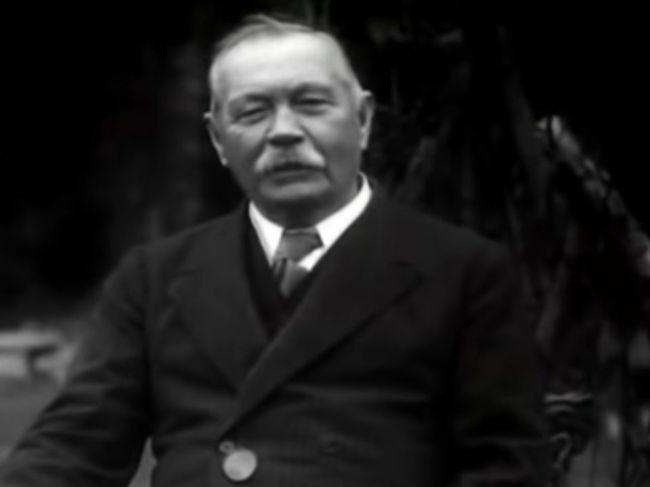 Pred 160 rokmi sa narodil tvorca Sherlocka Holmesa, Arthur Conan Doyle