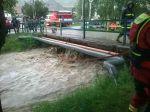 Viac ako 110 hasičov zasahuje v súvislosti s intenzívnym dažďom