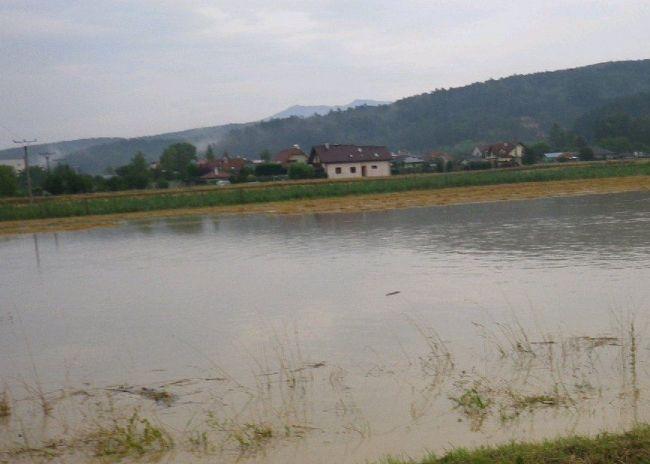 Pre okres Trenčín platí hydrologická výstraha 3. stupňa pred povodňami