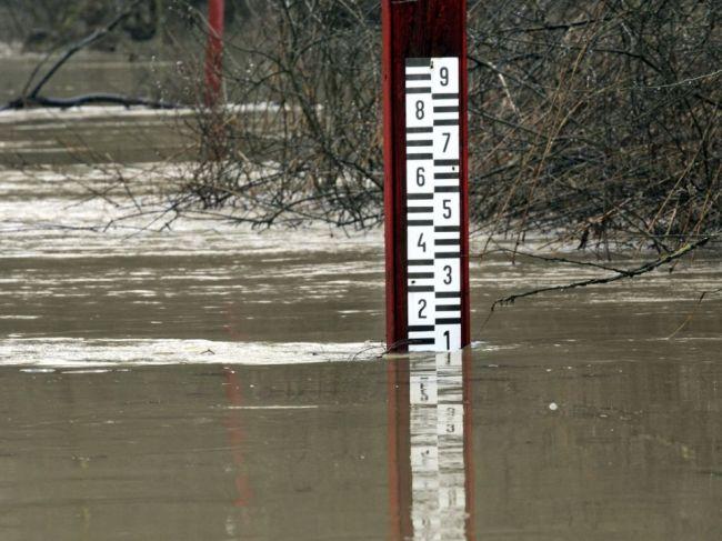 SHMÚ: Pre okres Senica platí hydrologická výstraha 3. stupňa pred povodňami