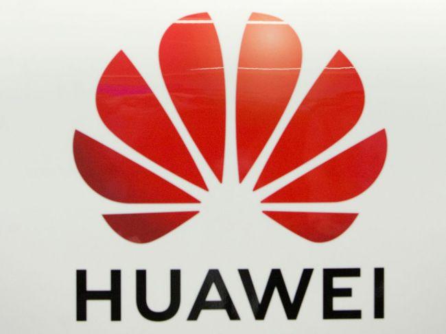 Putin považuje postup USA proti Huaweiu za snahu dostať čínsky koncern z trhu