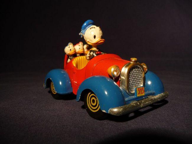 Káčer Donald sa prvýkrát objavil v animovanej rozprávke Malá múdra sliepka