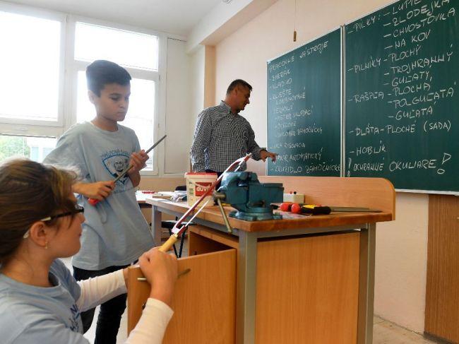 Školy by mali vychovávať tvorivých ľudí s kritickým myslením