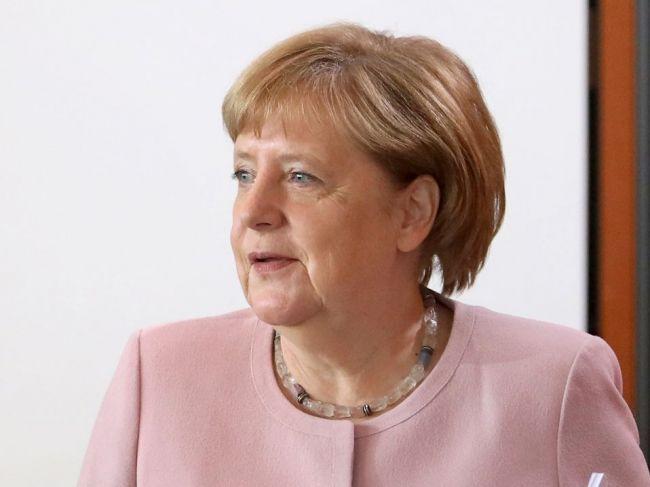 Merkelová vo svojom videu hovorila o význame organizácie práce