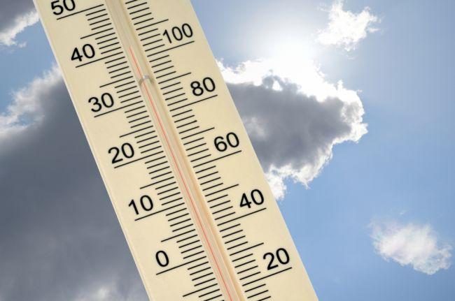 SHMÚ: Horúčavy budú pokračovať, pre tieto okresy platia výstrahy