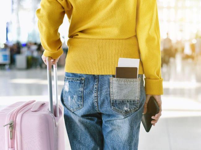 Tento preukaz vám ako cestovný doklad nestačí, upozorňuje ministerstvo zahraničia