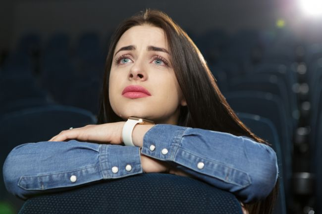 Ľudia, ktorí plačú pri filmoch sú výnimoční. Toto to o nich vypovedá