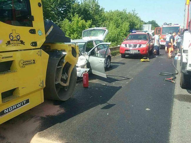 Vážna nehoda na D1 zablokovala diaľnicu, na mieste zasahoval aj vrtuľník
