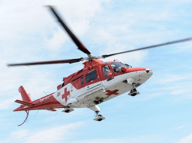 Muža pri Čadci zavalil strom, na pomoc mu letel záchranársky vrtuľník