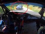 VIDEO: Sautom zablúdil na rely trať! Neuveriteľná reakcia jazdca mu zachránila život