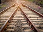 Teplo vo vlaku usmrtilo pasažiera, ďalší omdlievali