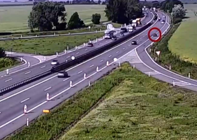 Video: Vodič na D1 sa musel zblázniť. Za toto mu hrozí pobyt za mrežami