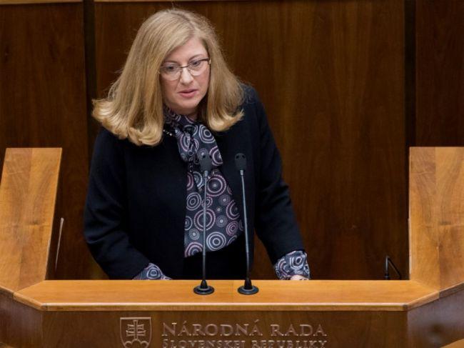 SaS vyzvala Matečnú na zapracovanie smernice o dvojakej kvalite do zákona