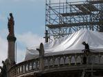 Prokuratúra odhalila možné príčiny požiaru Notre-Dame