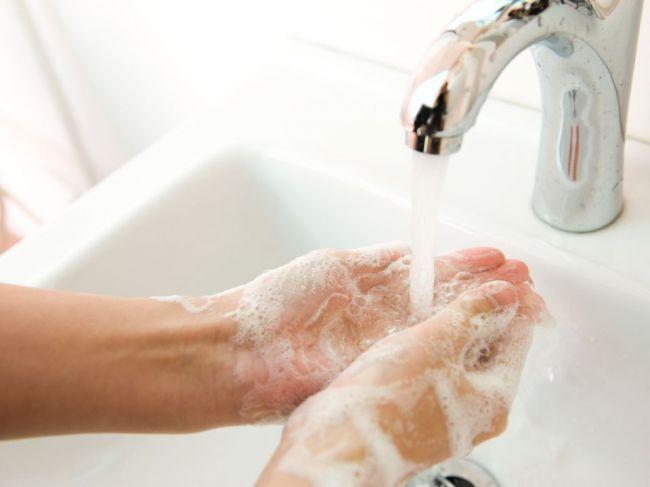 Chemikália bežne pridávaná do kozmetiky zdvojnásobuje riziko tohto ochorenia