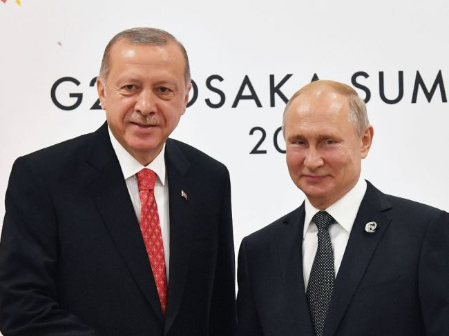 Rusko pokračuje v dodávkach komponentov S-400 do Turecka