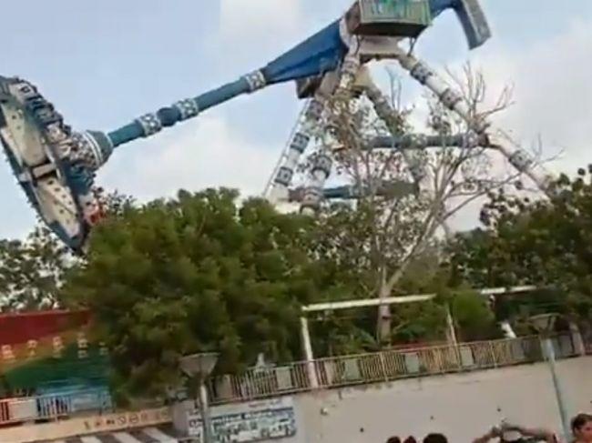 Video: Kolotoč sa vo vzduchu rozpadol, jazda sa skončila tragicky