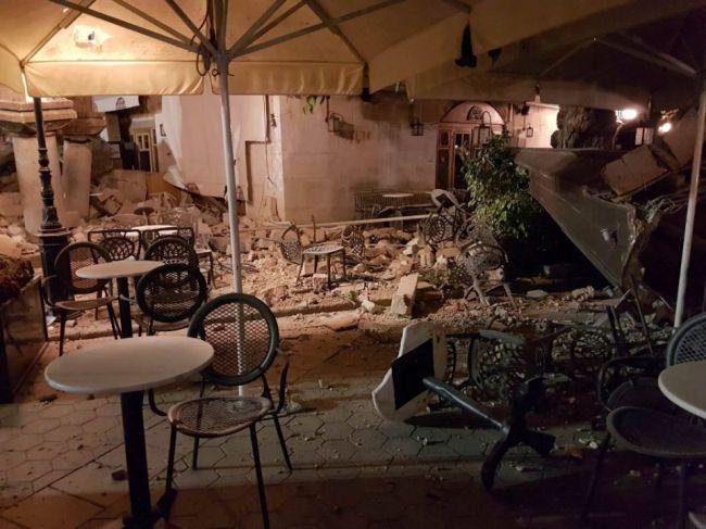Grécko postihlo silné zemetrasenie, ľudia vybiehali do ulíc
