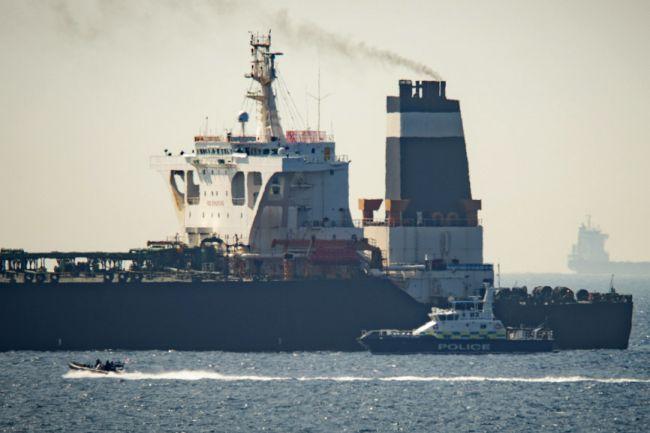 Britská vláda pripravuje možné sankcie voči Iránu