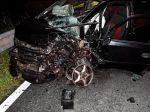 Unikajúci páchateľ, ktorý sa pokúsil ovraždu, spôsobil vážnu dopravnú nehodu
