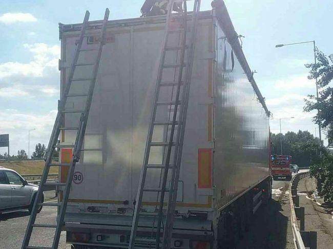 Obrovský zásah hasičov na bratislavskom moste
