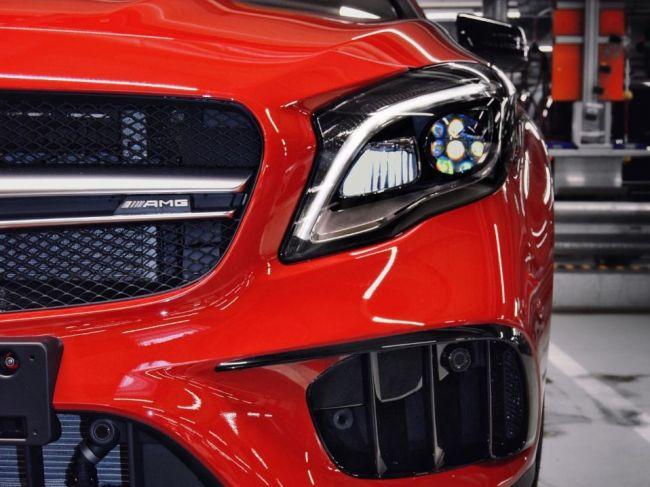 Mercedes svojou reklamou na SUV od AMG vyvolal vlnu tvrdej kritiky
