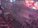 Video: Stovky ľudí utekali z Times Square, bolo počuť výstrely