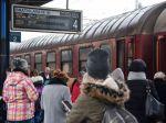Vlaky z Bratislavy meškajú aj vyše hodiny