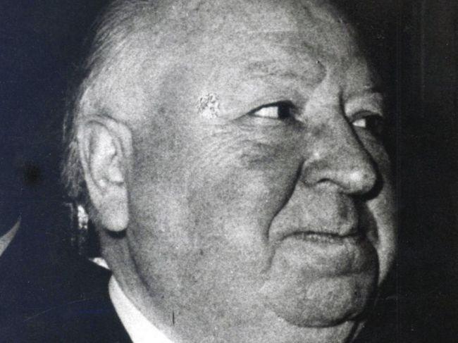 Britského režiséra Alfreda Hitchcocka preslávili filmy Psycho a Vtáci