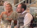 Video: Ženích nahneval svoku v svadobný deň. Toto s ním musela urobiť