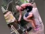 Video: Česká instagramová hviezda zneuctila svätyňu. Vysvetlenie miestnych pobúrilo