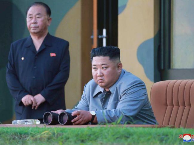 Severná Kórea vypálila do mora dva neidentifikované projektily