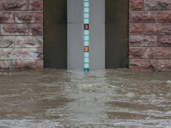 Hrozia ďalšie povodne, SHMÚ varuje výstrahou