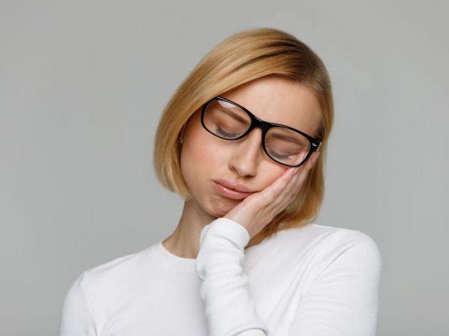 Čo sa stane s vaším telom a mozgom, ak ostanete hore celú noc?
