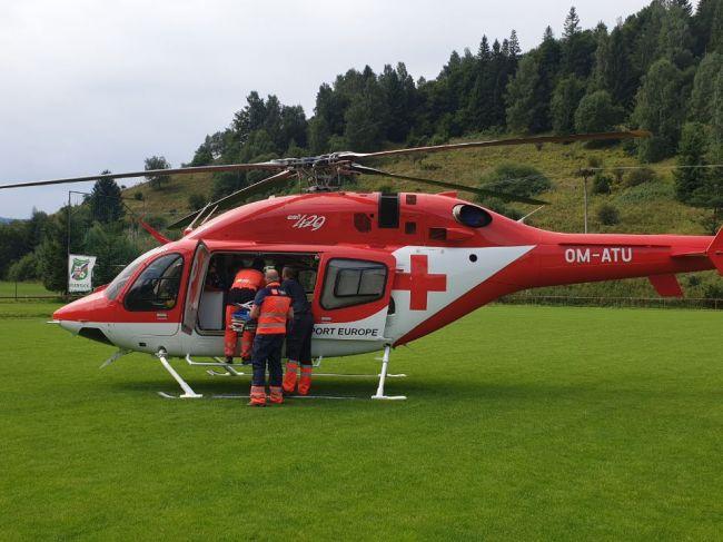 Vrtuľník zachraňoval obarené batoľa
