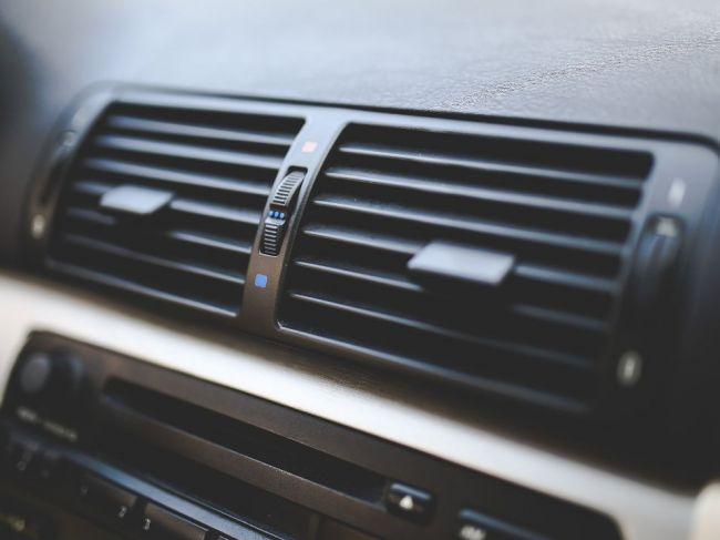 Prečo je dobré vypnúť klimatizáciu 5 - 10 minút pred dojazdom do cieľa