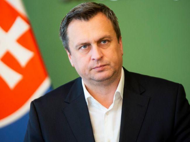 SNS odsúdila vpád vojsk do Československa, na našom území nechce cudzie vojská